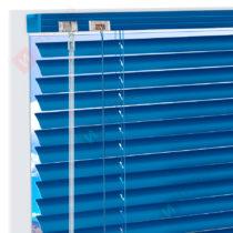 Горизонтальные алюминиевые жалюзи на пластиковые окна - цвет синий
