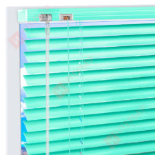 Горизонтальные алюминиевые жалюзи на пластиковые окна - цвет светло-зеленый