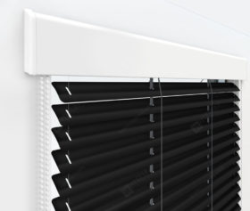 Жалюзи Изолайт 25 мм на пластиковые окна - цвет черный